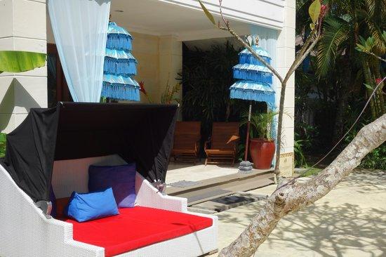 The Mansion Resort Hotel & Spa: entrance verandah