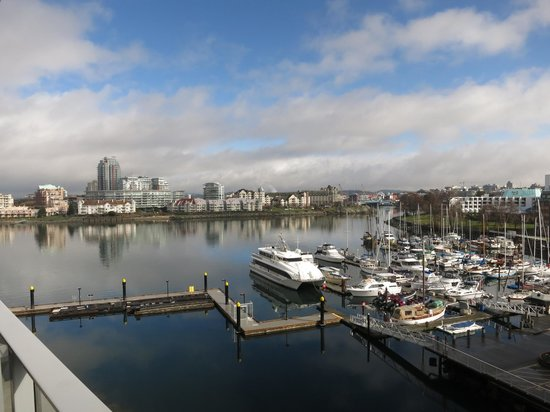 WorldMark Victoria: View of marina from 5th floor balcony