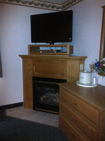 AmericInn Lodge & Suites North Branch: Upgrade to a Room with a Gas Fireplace!