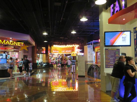 MGM Grand Hotel and Casino: Shops & Food