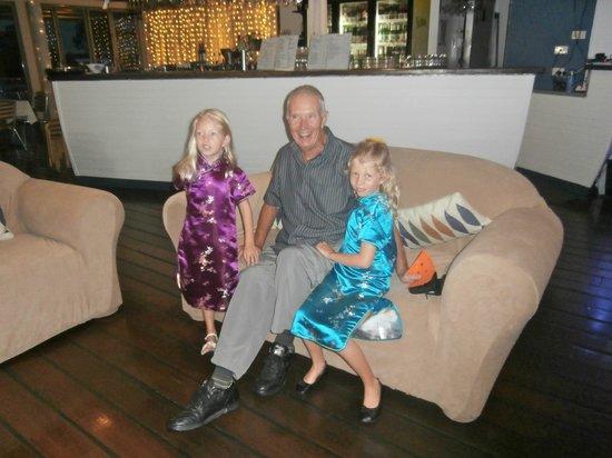 River Deck Restaurant: granddad with granddaughter