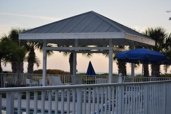 Wicker Inn : Gazebo at the pool