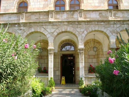 Austrian Hospice: Fachada do hotel