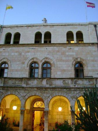 Austrian Hospice: Fachada Hotel