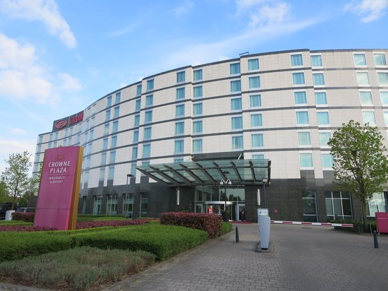 Crowne Plaza Hotel Brussels Airport : 外観