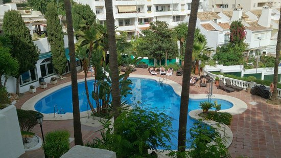 Royal Oasis Club at Pueblo Quinta : Sight of the pool from the balcony of building 1