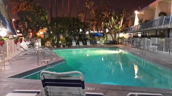 Travelodge Hotel LAX Los Angeles Intl: Pool