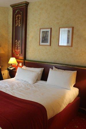 Villa Beaumarchais : Queen bed