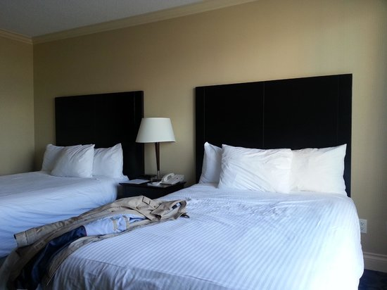 Park Inn & Suites by Radisson: room