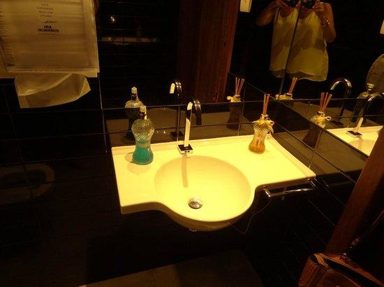 La Tavola: Toalete