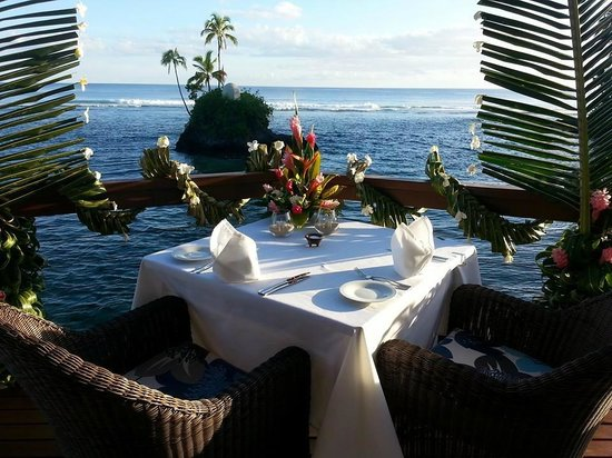 Seabreeze Resort : Dining on deck of Honeymoon Point House
