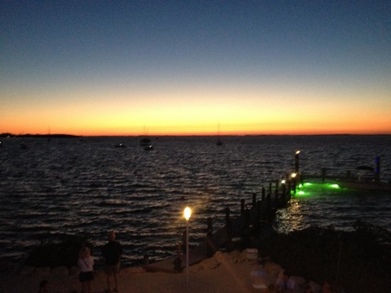 Bayside Grille & Sunset Bar : Great sunset!!!!