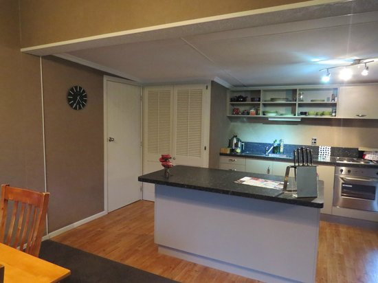 Beersheba Boutique Accommodation: kitchen