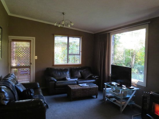 Beersheba Boutique Accommodation: living room
