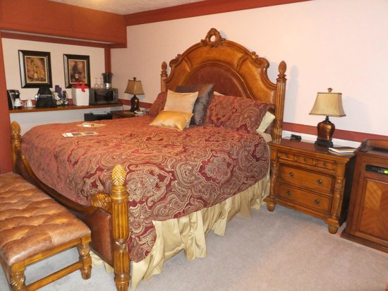 Canna Country Inn: Serenity Suite