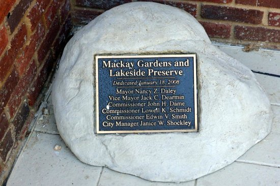 Mackay Gardens and Lakeside Preserve: Stone with Plaque