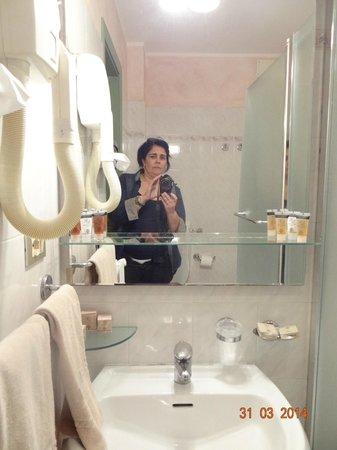 Bologna Hotel Pisa : baño