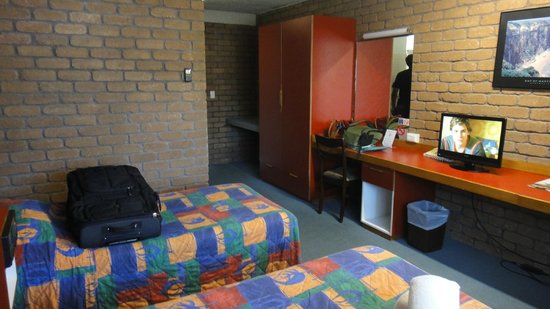 Aquajet Motel: Room