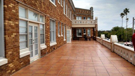 The Hotel Jacaranda: Hotel Jac veranda