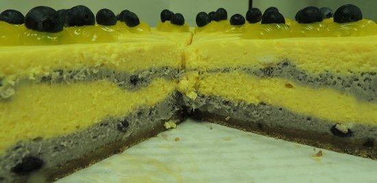 Joey's Classic Italian Dining: Lemon Blueberry Cheesecake