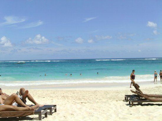Royalton Punta Cana Resort & Casino: 1278  behind the steak house, courtyard view.  1047 road view