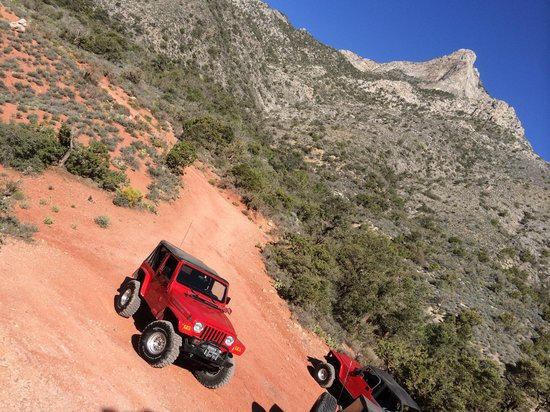 Las Vegas Rock Crawlers : Red Rock Canyon Views
