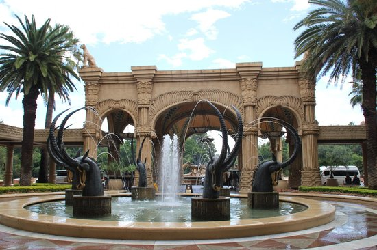 The Palace of the Lost City: Main entrance to the hotel