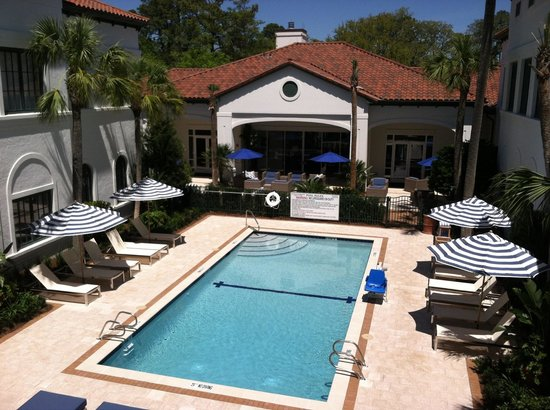 The Inn at Sea Island: Pool area