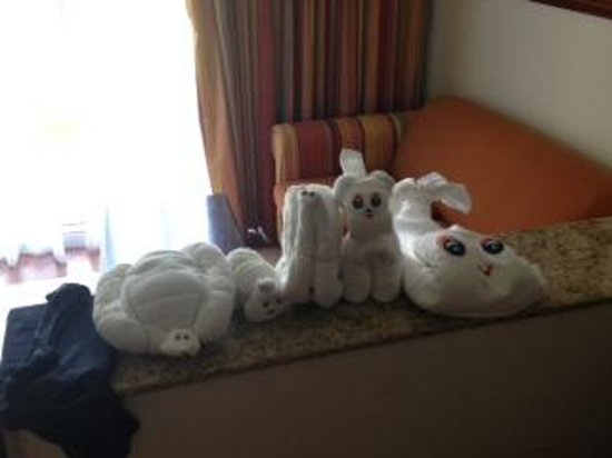 Hotel Riu Palace Cabo San Lucas: hotel room towel friends
