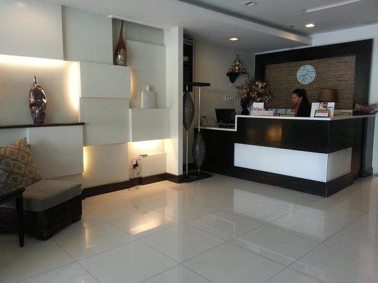Aicila Suites: Lobby