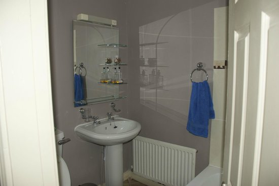 Acara B&B: Bathroom