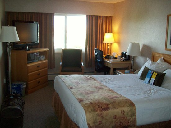 Days Inn - Victoria on the Harbour: Queen Room/Harbour View - # 421