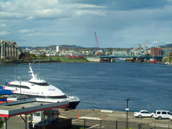 Days Inn - Victoria on the Harbour: Harbour View from Room 421