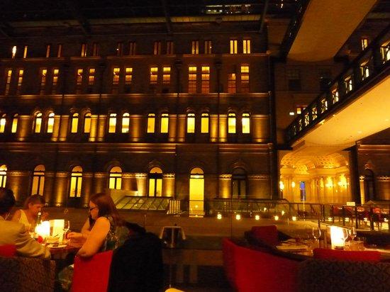 The Westin Sydney: ホテルのロビー