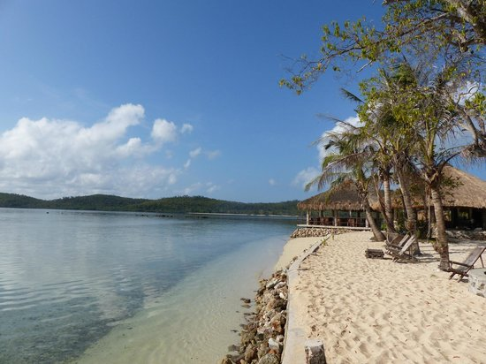 Coral Bay Beach & Dive Resort: *