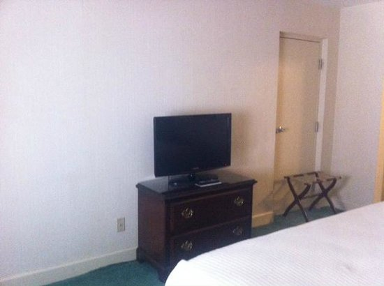 Bell Tower Hotel: TV