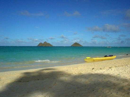 The Mokulua islands from Lanikai beach