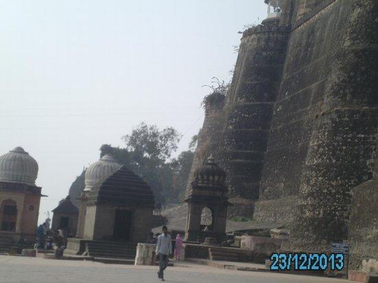 Queen's Fort: FORT