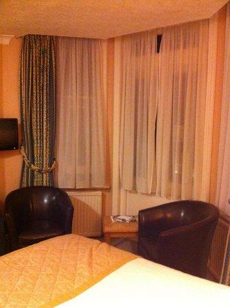 Best Western Burns Hotel Kensington: Quarto.