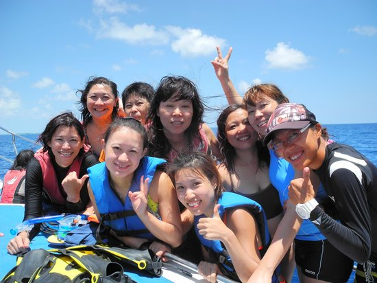 Club Med Kani : We have enjoyed the snorkeling so much. Tks 2 our beautiful instructor,  Petty Tien.