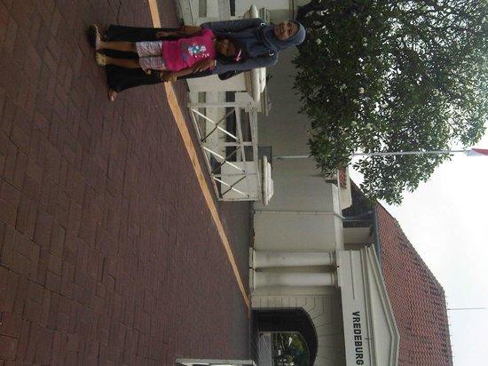 Yogyakarta Fortress Museum : Depan Benteng Vredeburg