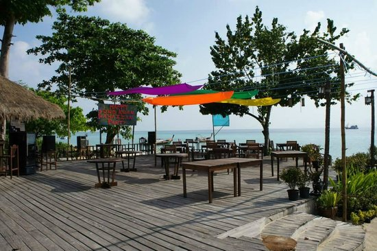 Mayalay Beach Resort: restaurant