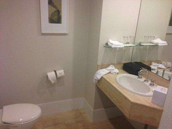 Hotel Jen Brisbane: Bathroom