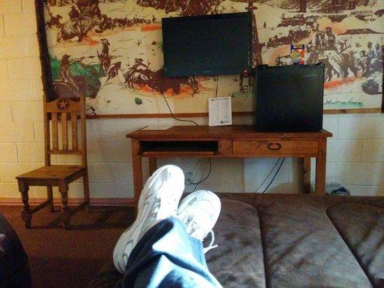 Big Texan Motel: Kicking back