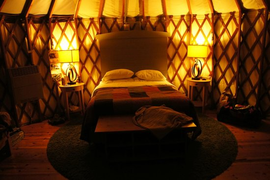 Treebones Resort: Inside Yurt number 3