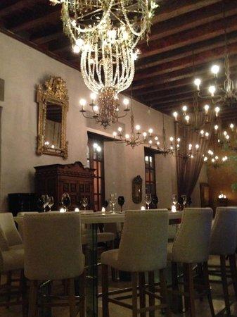 Elegant interior of Restaurant 1621