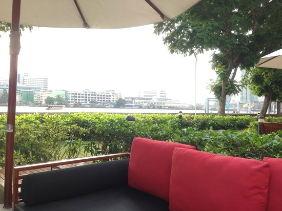 "ibis Bangkok Riverside: Pool side ""river view"" lounge / breakfast area"