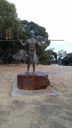 Heirisson Island : Statue of Yagan
