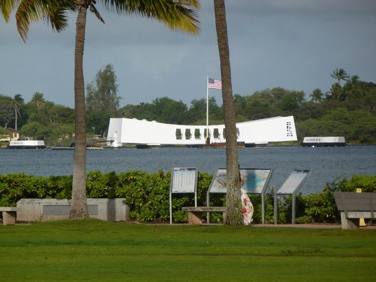 USS Arizona Memorial/WW II Valor in the Pacific National Monument : Arizona Memorial at Pearl Harbor