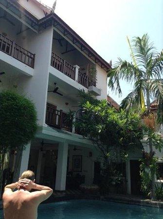 Rambutan Resort - Siem Reap : courtyard with rooms and swimming pool